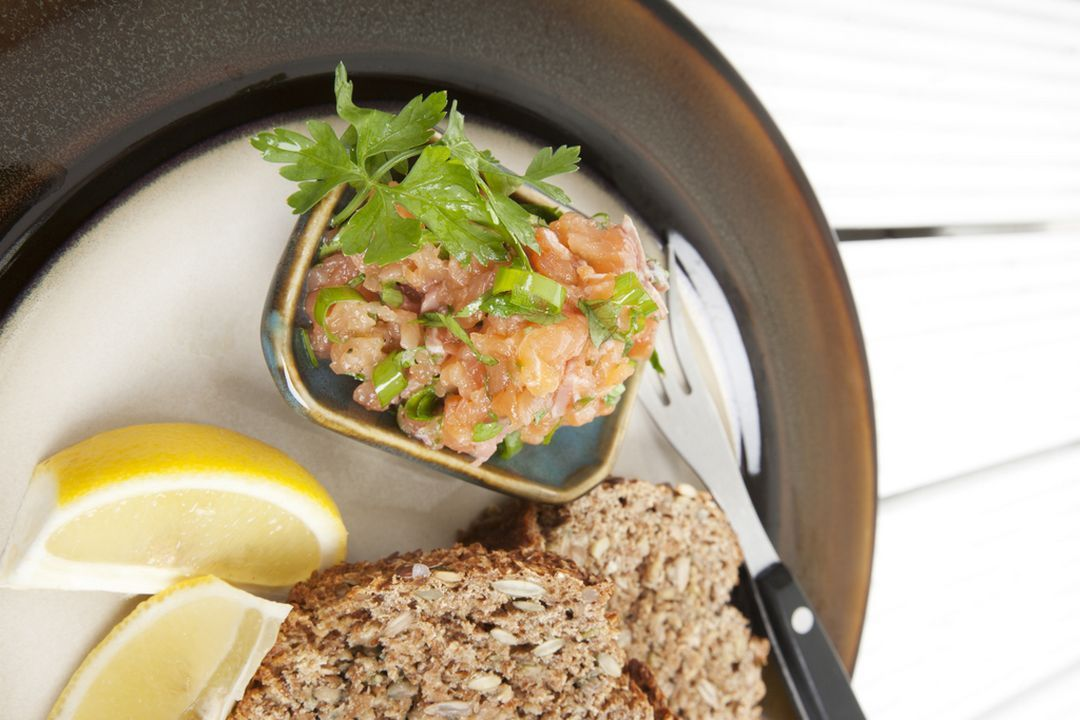 Tartar de Salmon y toques de Pistacho