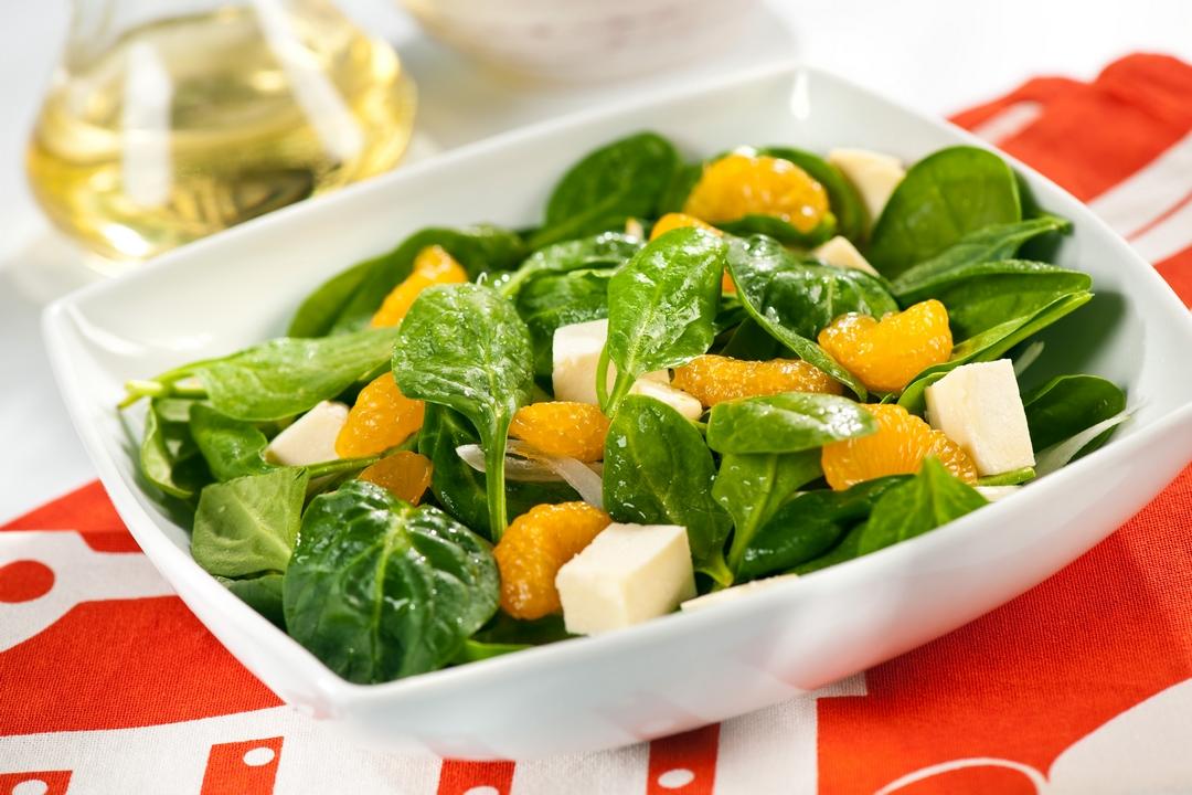 Ensalada de espinacas y naranjas