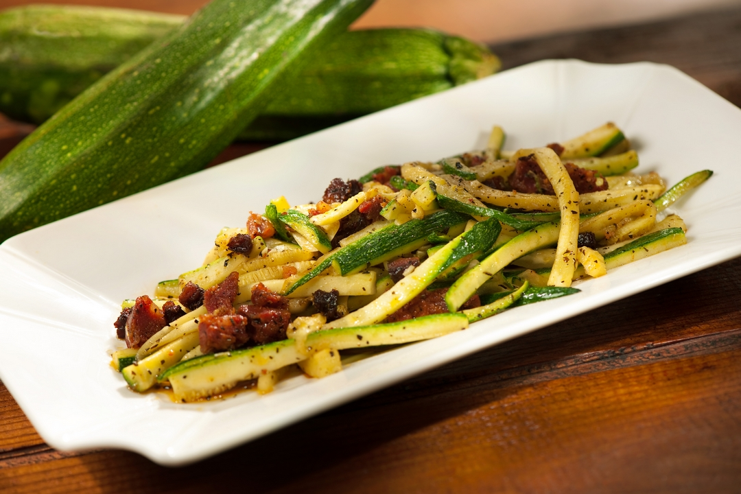 Zucchini con chorizos