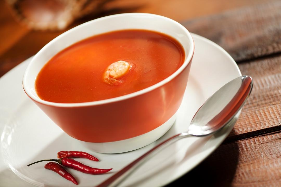 Sopa de camarones y chiles