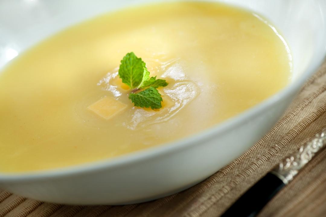 Sopa de calabacín con queso