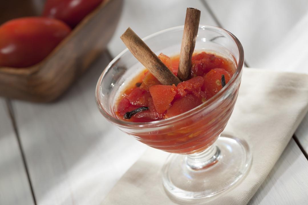 Tomates en salsa dulce
