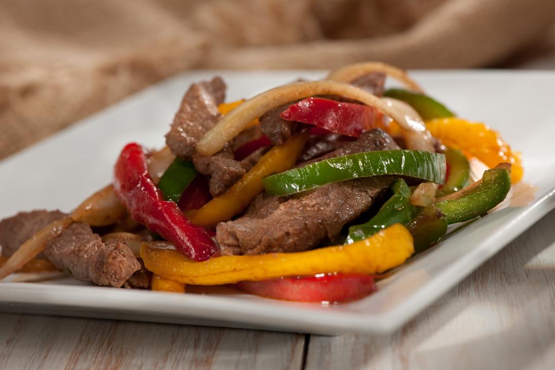 Carne de res con vegetales