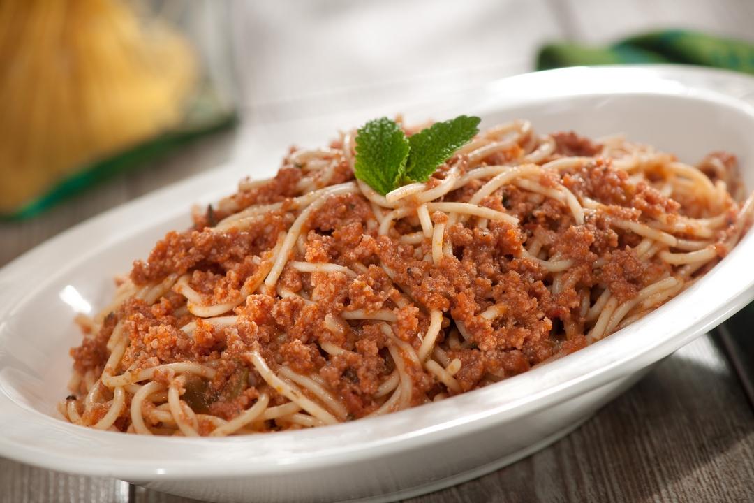 Espaguetis con salsa de carne