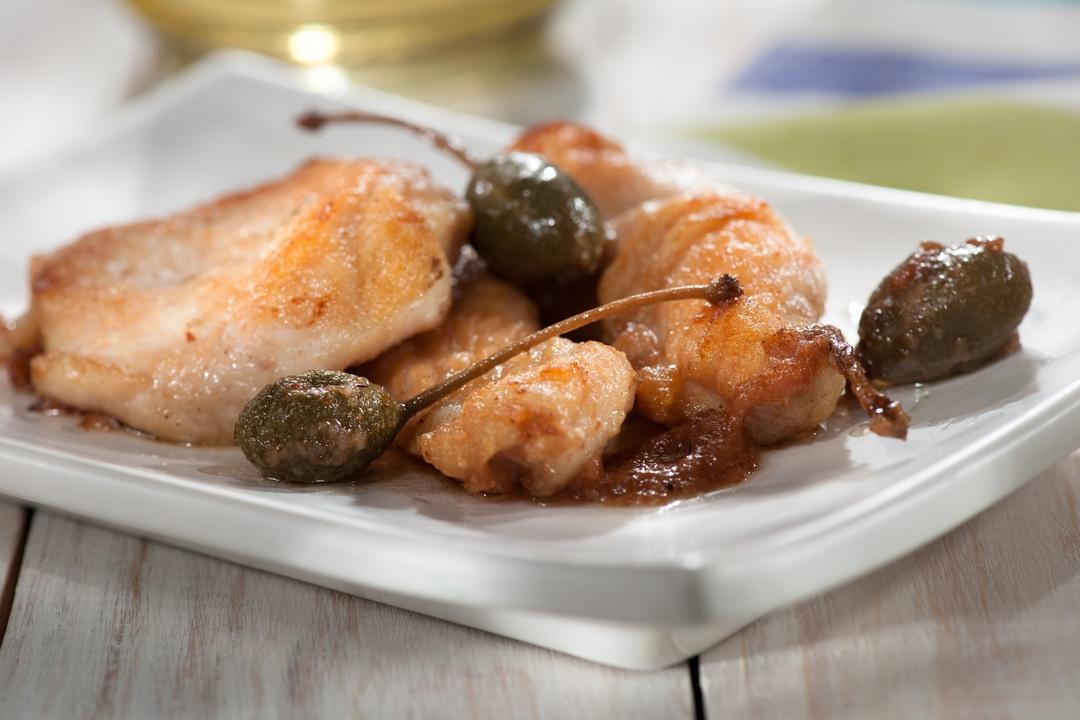 Escalopines de pavo con salsa de alcaparras