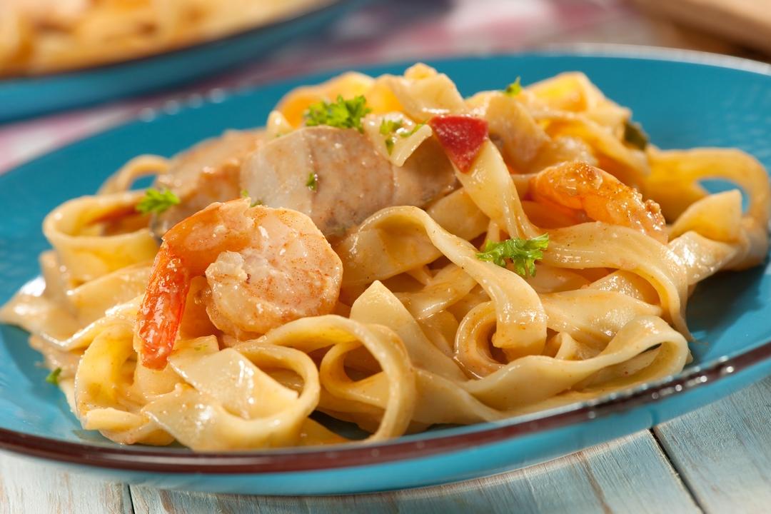 Fettuccini con frutos del mar