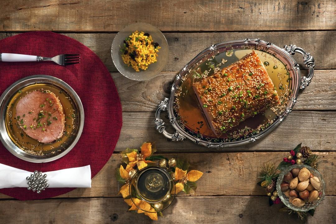 Chuletas de cerdo con salsa de ajonjoli y miel